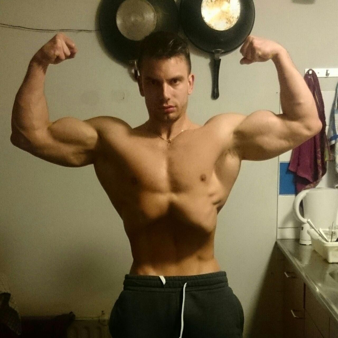 Jan Willem van der Klis Bodybuilding Kleding gesponsorde atleet front double biceps