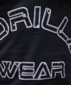 Gorilla-Wear-Logo-Stringer-Singlet-Zwart-detail1