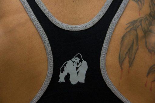 Gorilla-Wear-Logo-Stringer-Singlet-Zwart-detail2