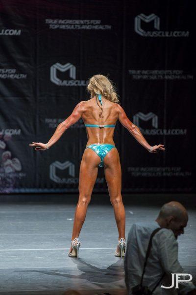 Larissa van Meerten Bodybuilding Kleding Atleet Walters Open 2015 back pose