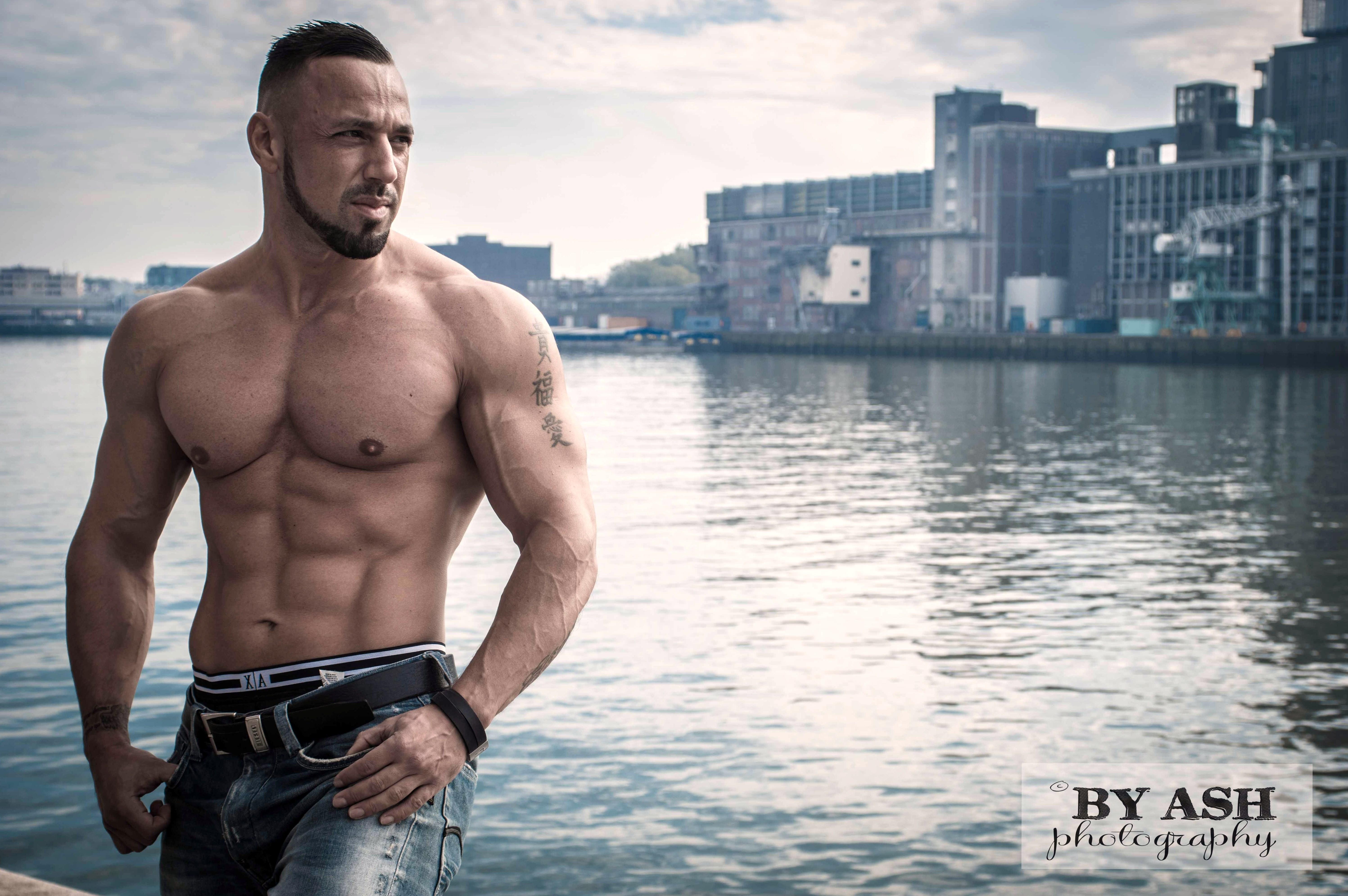 Bodybuildingkleding.com - Deniz Uludag - 7