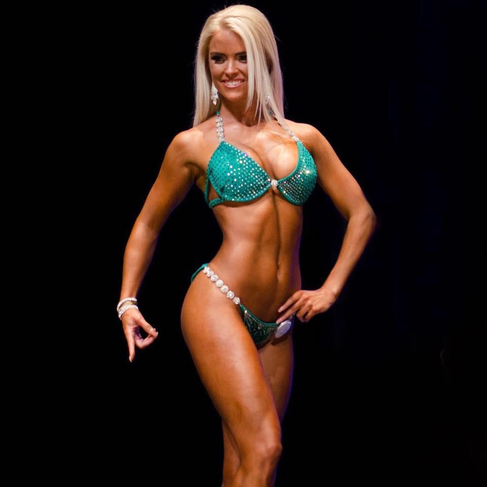 Joyce Janssen bikini Juliette Bergmann Cup