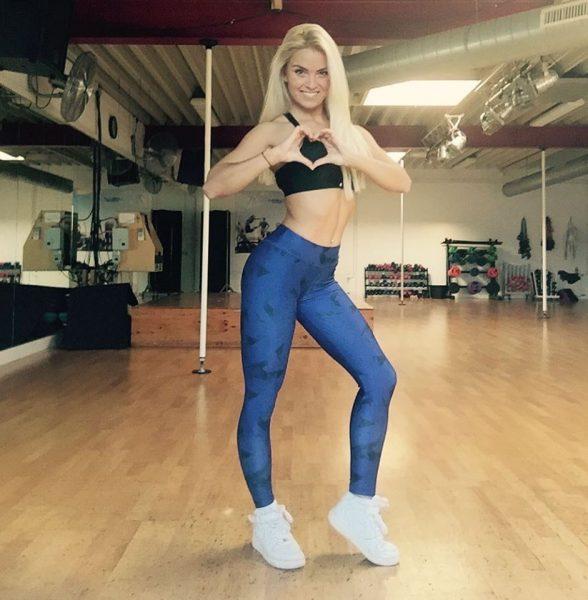 Joyce Janssen poseren dansstudio