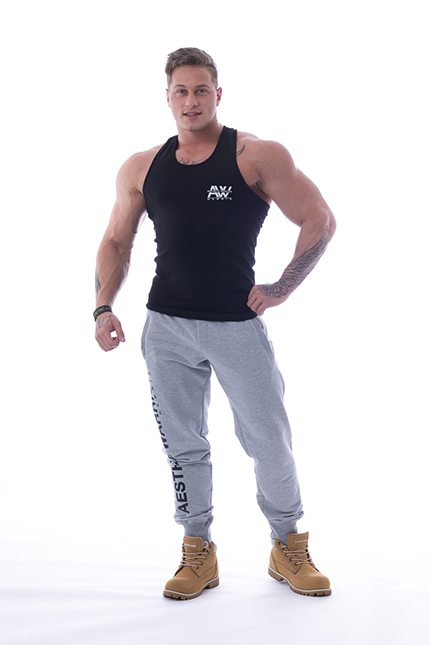 Tank Top 111 zwart - Nebbia Aesthetic Warrior voorkant